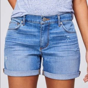 Loft Denim Roll Shorts in Destructed Light Indigo